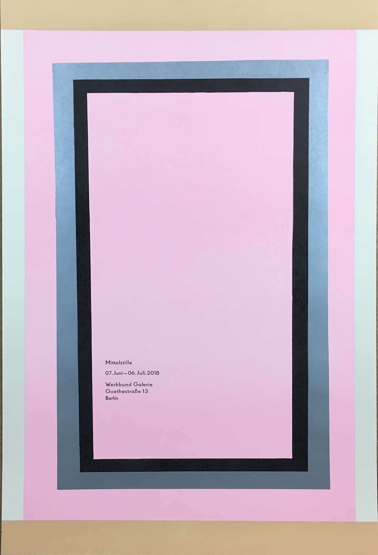 """Austtellungsplakat, """"Mittelstille"""". Linolschnitt, 5-farbig. Bleisatz. Gestaltung: Bernard Stein"""